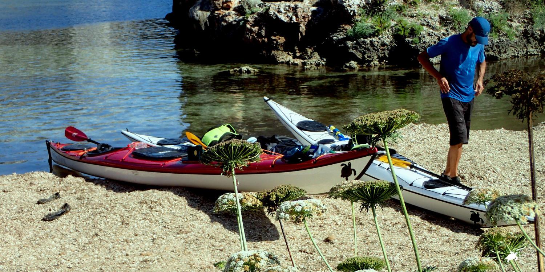 Kayak landing Cales Coves | Karetta Expeditions